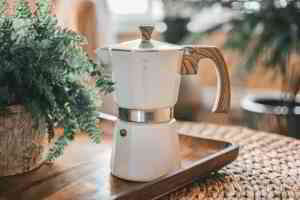 How to make stovetop espresso at home easily in a Moka Pot