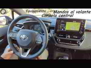 Toyota Corolla Feel! 2019 180H: Mandos al volante y consola central | Hatchback | Review